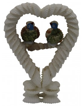 Radhagobinda Handicraft Seashell Love Birds